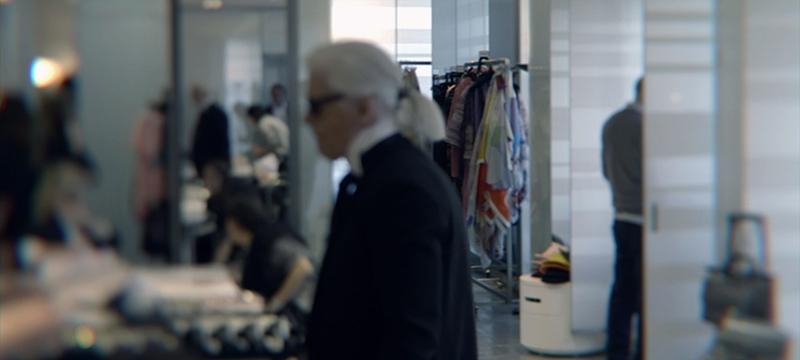 Karl Lagerfeld w swoim atelier na Rue Cambon/chanel.com