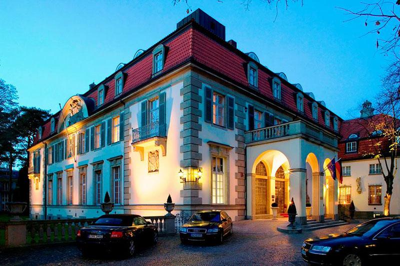 """Hotel """" Schlosshotel im Grunewald"""" w Berlinie"""