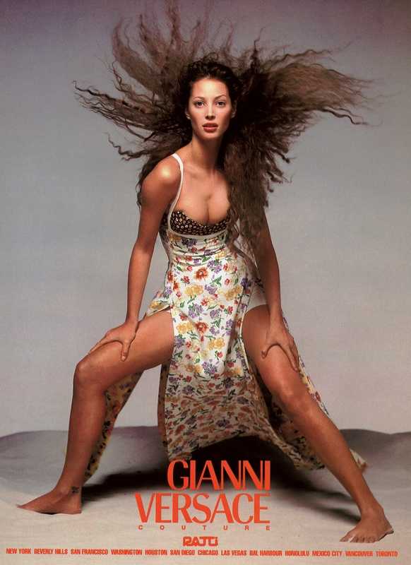 Christy Turlington w kampanii Versace wiosna 1993/fot. Richard Avedon