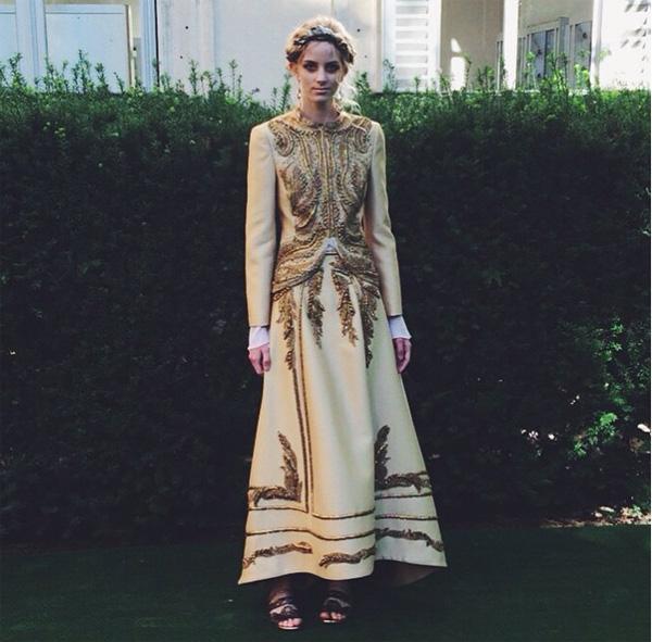 Suknia w stylu barokowym/Instagram: @albertaferretti