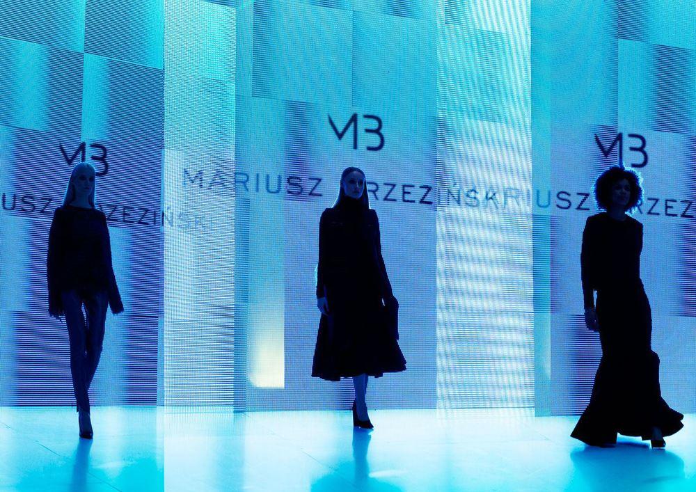 Prezentacja kolekcji Mariusza Brzezińskiego podczas Warsaw Fashion Street