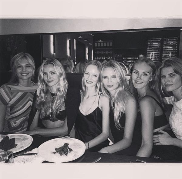 Natasha Poly wraz z przyjaciółkami podczas weekendu w Amsterdamie/Instagram: @natashapoly