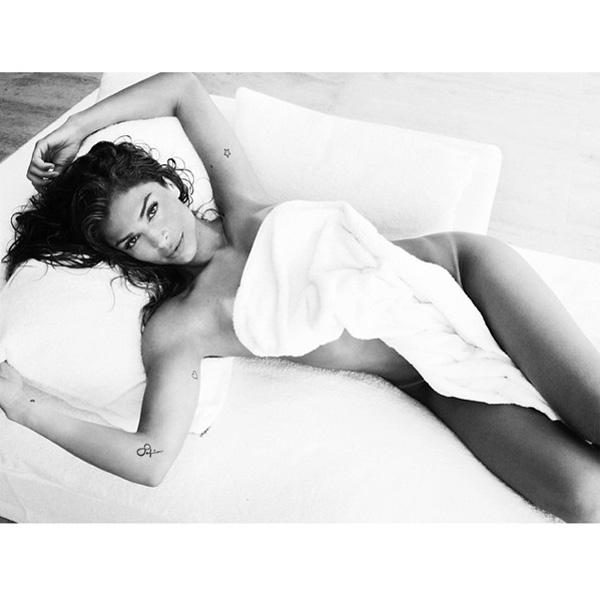 TOWEL SERIES 81, GRAZI MASSAFERA/Instagram: @mariotestino