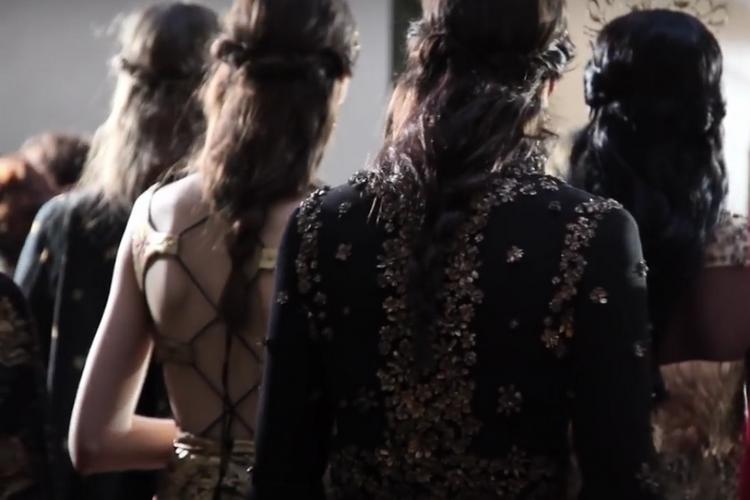 Backstage Valentino haute couture jesień-zima 2015/16 [wideo]