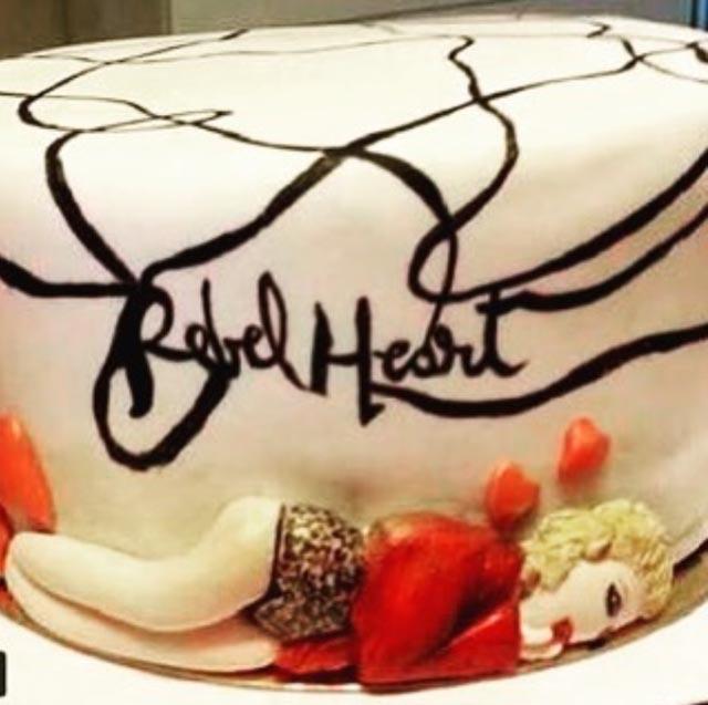 Tort urodzinowy/Instagram: @madonna