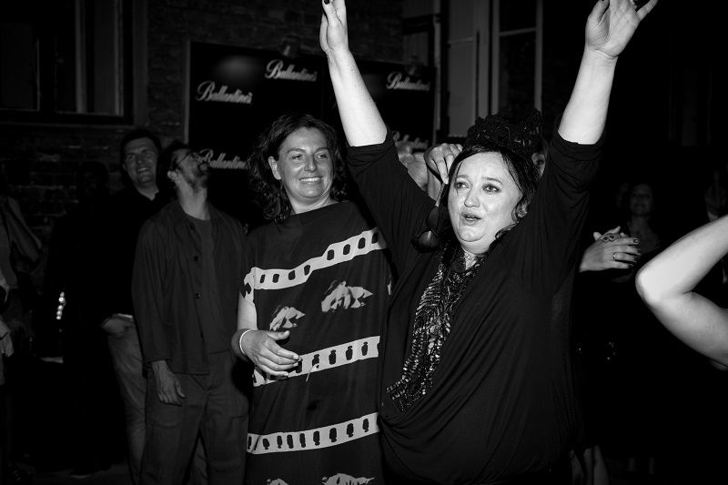 Redaktor mody International Herald Tribune Liza Foreman i Gosia Baczyńska/fot. Filip Okopny