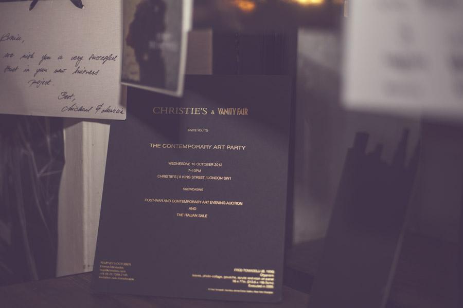 Bilecik od projektanta Michaela Hekmata i zaproszenie na londyńską imprezę domu aukcyjnego Christies & Vanity Fair/fot. Agnieszka Taukert dla DYKF