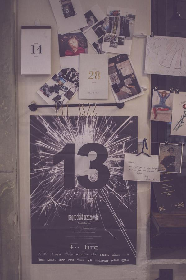 Na górze zaproszenie w formie kalendarza Tomasza Ossolińskiego; poniżej - zaproszenie na 13 urodziny duetu Paprocki&Brzozowski/fot. Agnieszka Taukert dla DYKF