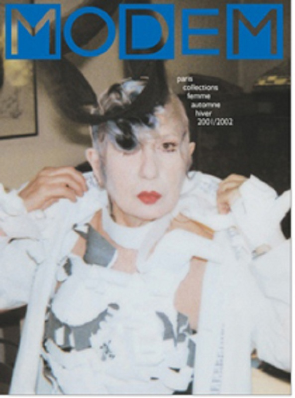 Anna Piaggi na okładce magazynu Modem, luty 2001