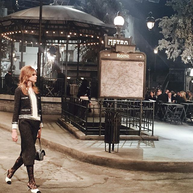Pokaz Chanel 'Paris in Rome'/Instagram: @chanelofficial