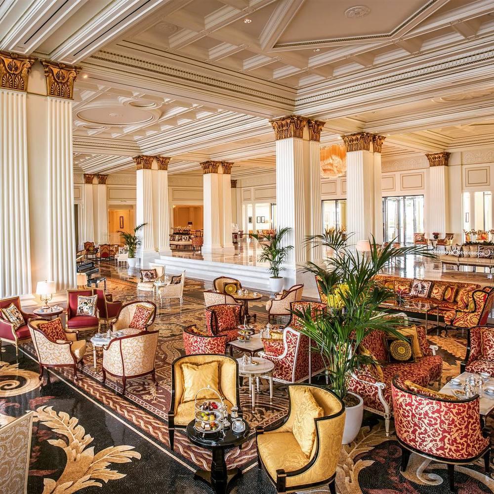Mosaico - lobby w Palazzo Versace w Dubaju/Instagram: @palazzoversacedubai