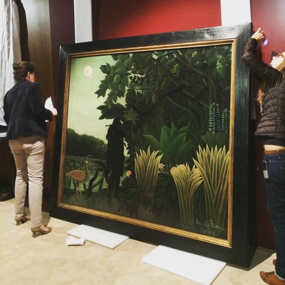 "Przygotowania do wystawy ""Jacques Doucet - Yves Saint Laurent, Living For Art""/Instagram: @fondation_pb_ysl"