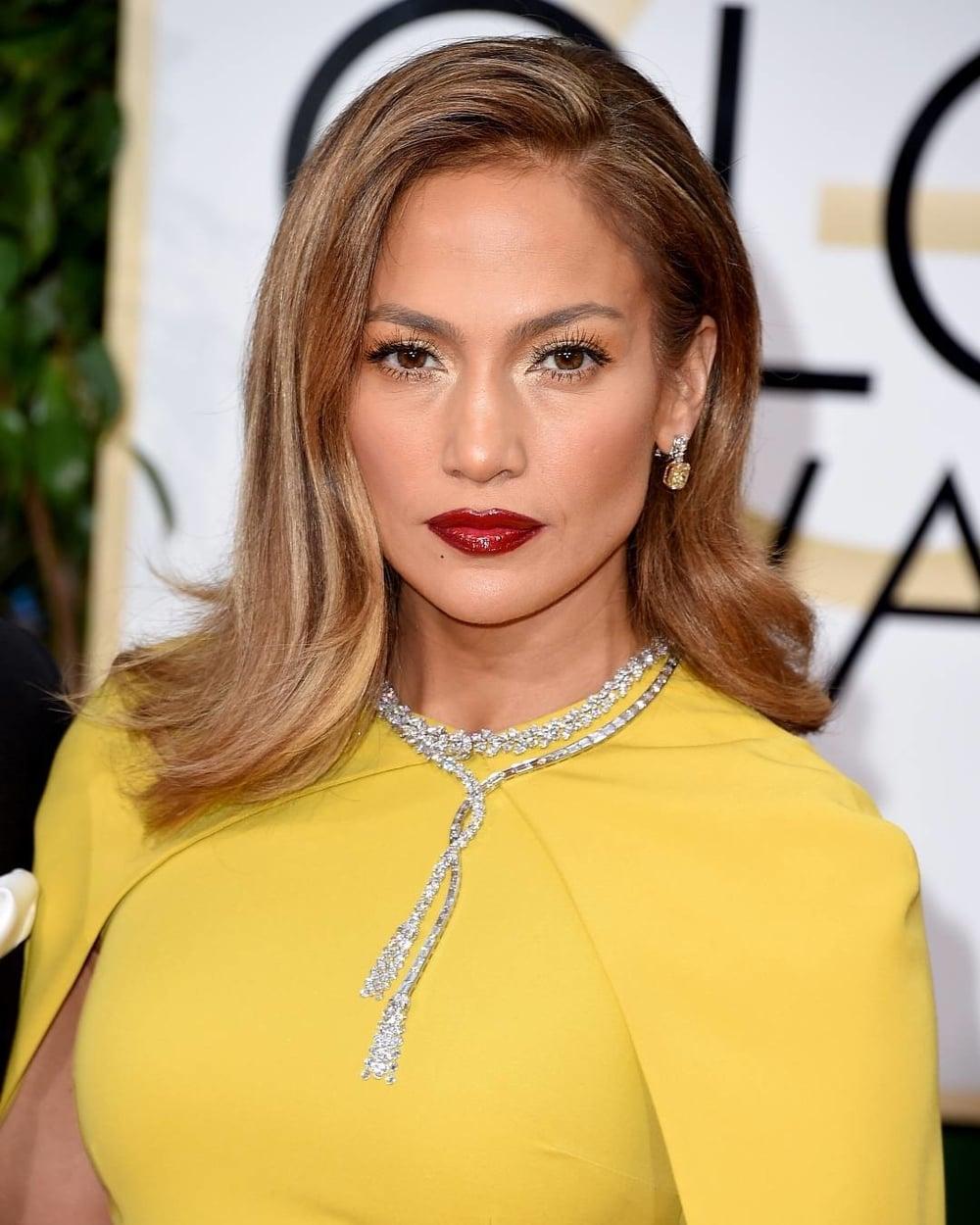 Jennifer Lopez/Instagram: @elleusa