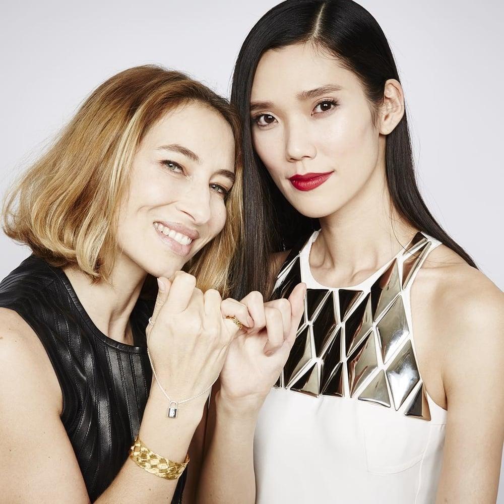 Alexandra Golovanoff i Tao Okamoto/Instagram: @louisvuitton