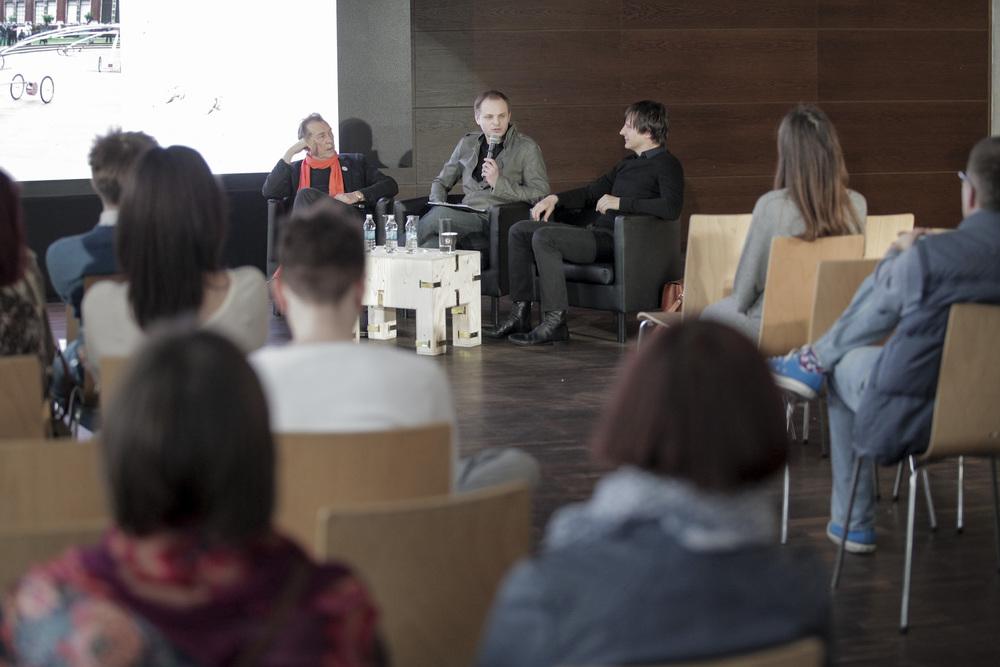 Panel dyskusyjny z Oskarem Ziętą-fot. materiały prasowe Art Fair