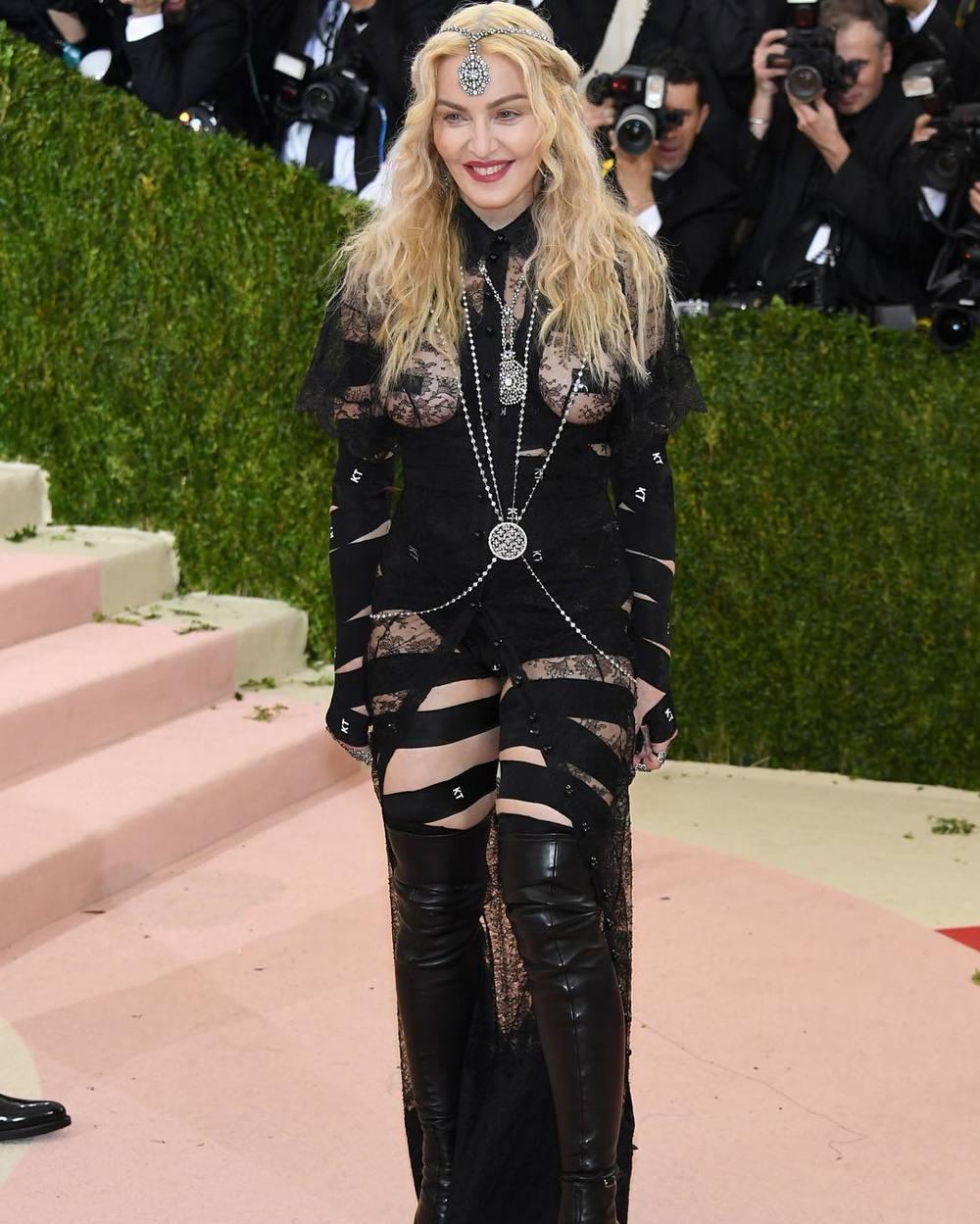 Madonna/Instagram: @buro247ru