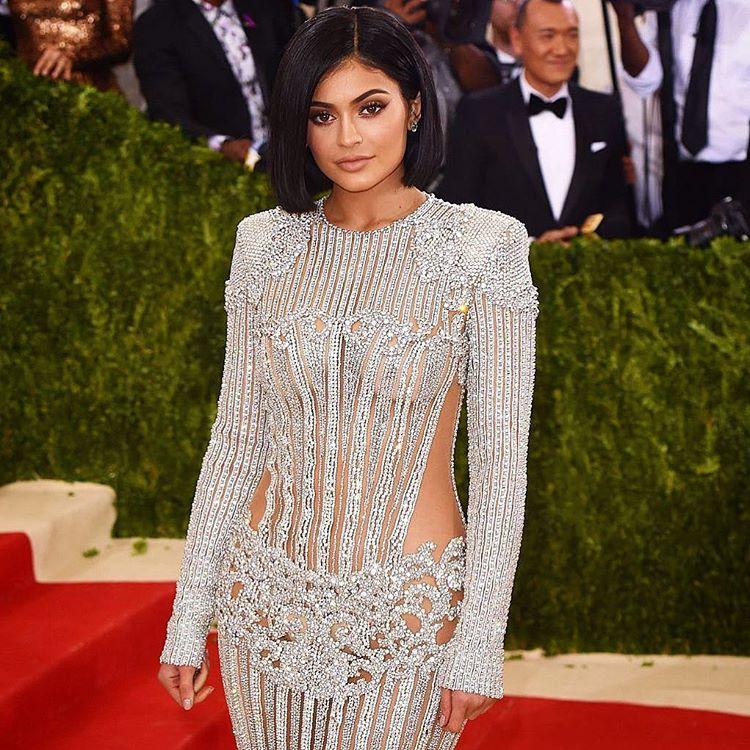 Kylie Jenner/Instagram: @wwd