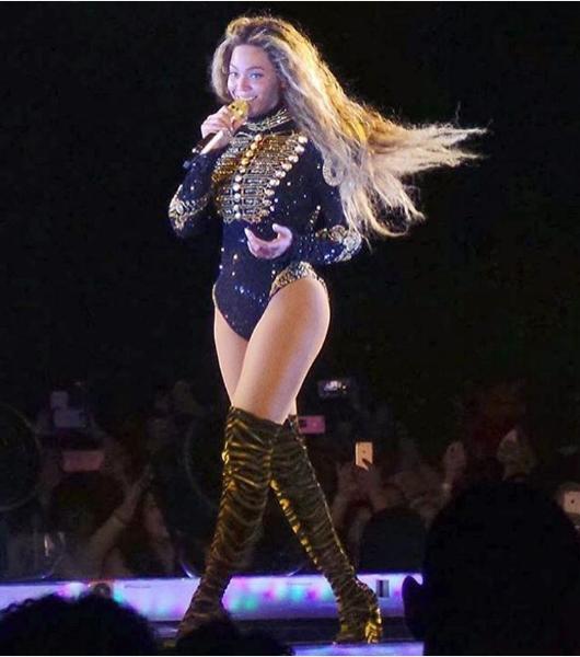Beyonce kostium Roberto Cavalli/Instagram @roberto_cavalli
