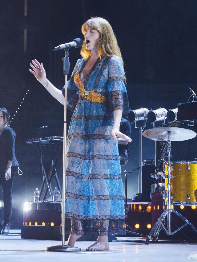 Florence Welch kostium Gucci/Instagram @catscn