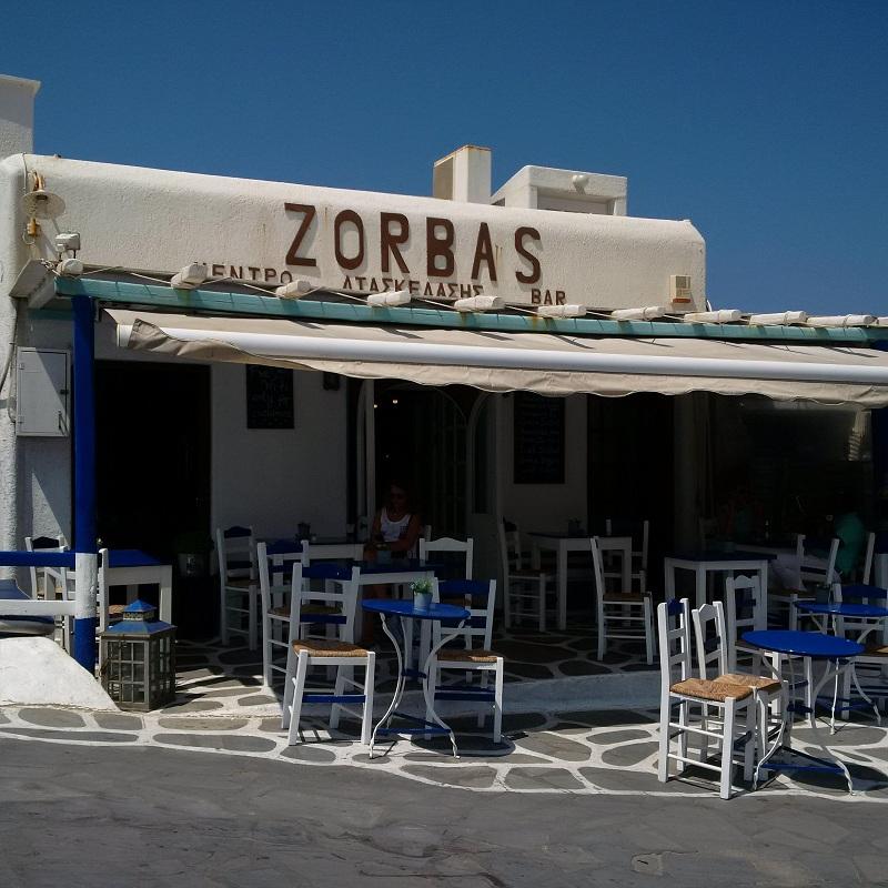 Biały i niebieski - najlepsze połączenie kolorów na Mykonos/fot. Anna Puślecka