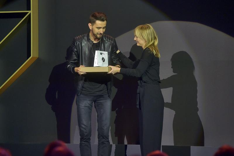 Laureat kategorii Fashion Ilustration Arek Bączyk i mentorka Olka Osadzińska/fot. materiały prasowe Art & Fashion Forum by Grażyna Kulczyk