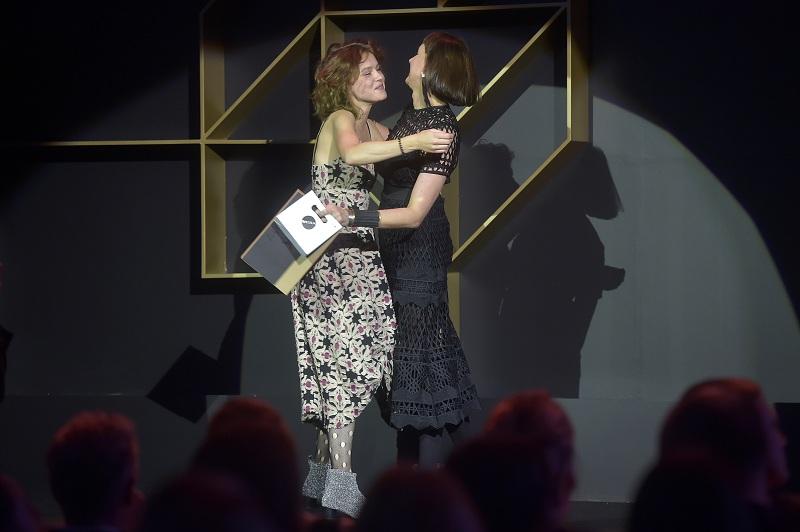 Laureatka kategorii Fashion Jewellery Alexandra Sulżyńska i mentorka Ania Orska/fot. materiały prasowe Art & Fashion Forum by Grażyna Kulczyk