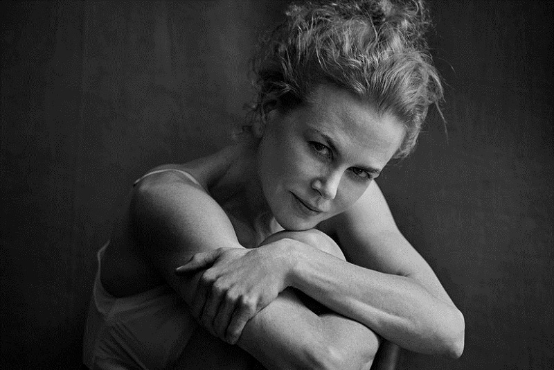 Nicole Kidman na jednym ze zdjęć do kalendarza Pirelli/fot. Peter Lindbergh/www.theguardian.com