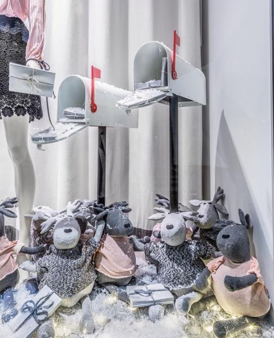 Wystawa świąteczna marki 303 Avenue /fot. instagram: @303avenue