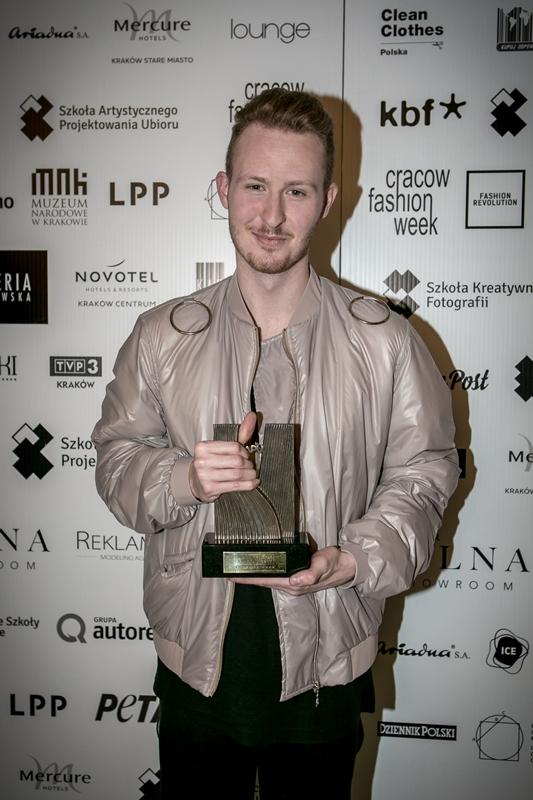 Piotr Popiołek z nagrodą