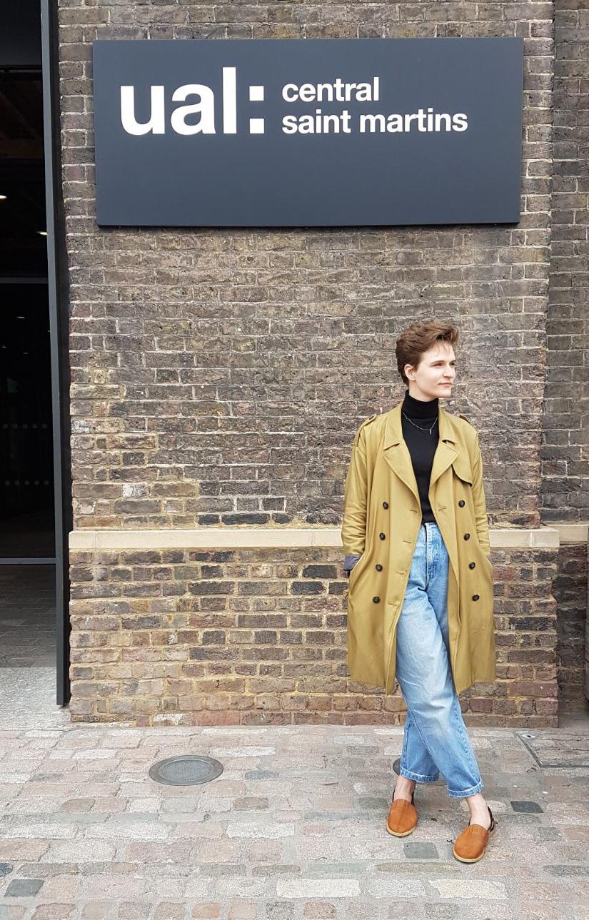Ola przed budynkiem University of Arts w Londynie/fot. archiwum prywatne