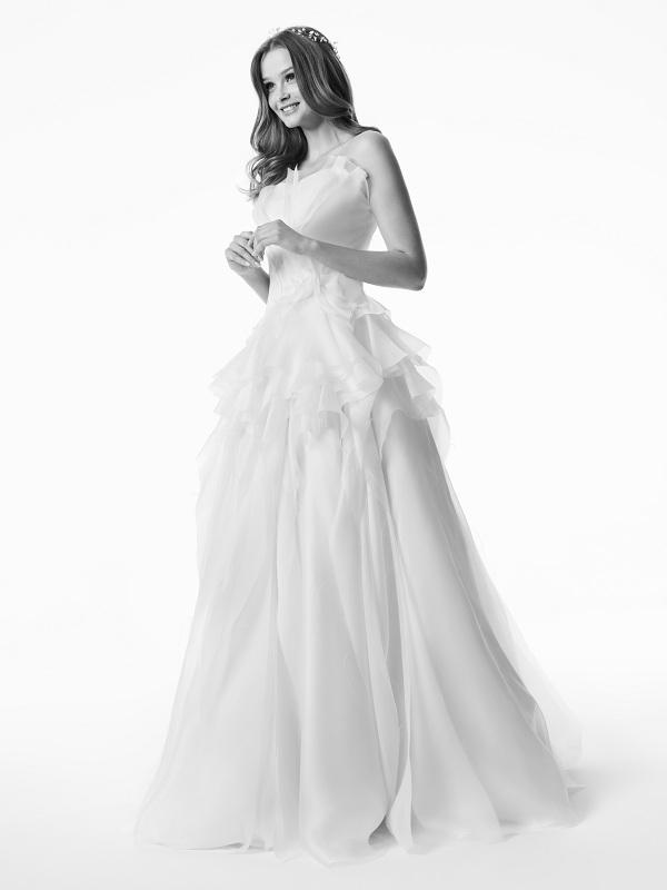 170425_Maciej Zie+ä SS17 Wedding_1405_bw w copy.jpg