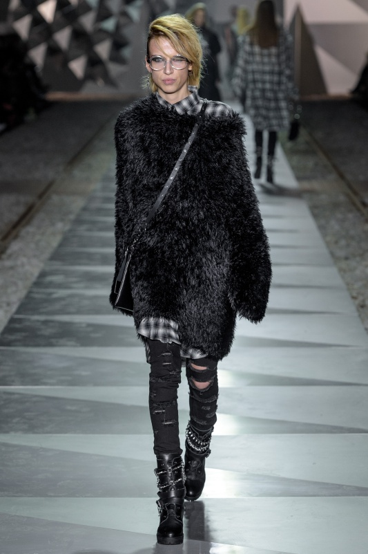 20_LIDIAKALITA-031017_highres_fotFilipOkopny-FashionImages.jpg
