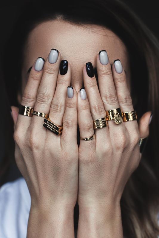 Lookbook biżuterii marki MISS QUOTE/fot. materiały prasowe