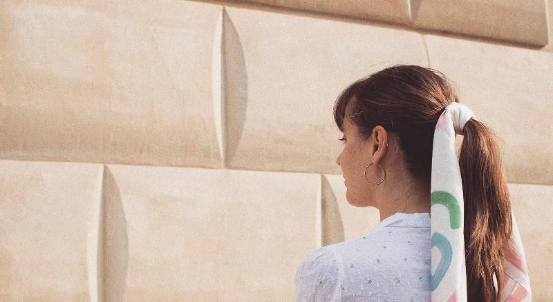 """Kolekcja apaszek """"Girls"""" stworzona przez marki KOPI i Momu.Warsaw/fot. materiały prasowe"""