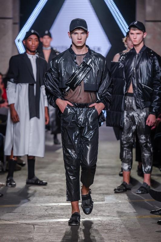 Pokaz Piotra Popiołka/fot. Filip Okopny - Fashion Images