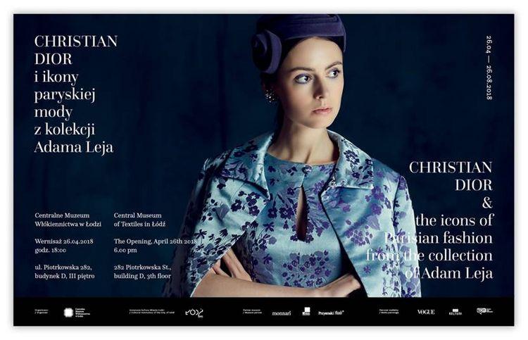 """Plakat promujacy wystawe """"Dior i ikony paryskiej mody z kolekcji Adama Leja""""/fot. materialy prasowe"""
