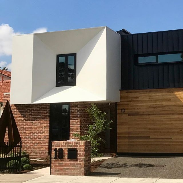 Amazing #macsuede job in North Fitzroy, Victoria. Application by Super Solid Constructions. Contact us for details. #macrender #concretefinish #macsuede #solidplastering #architecture #design #rendering