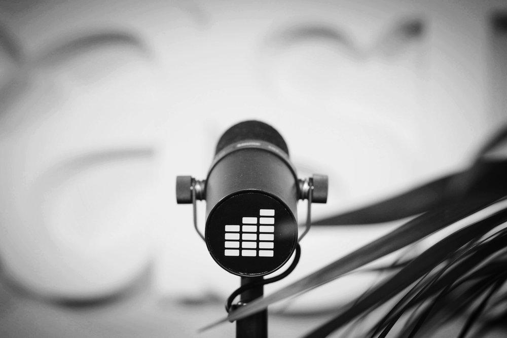 LIVE PÅ EAST FM - eastfm.tv är vår youtube-kanal, en plats där du hittar den senaste musiken både från de nyast tända stjärnorna men även de som lyst länge!