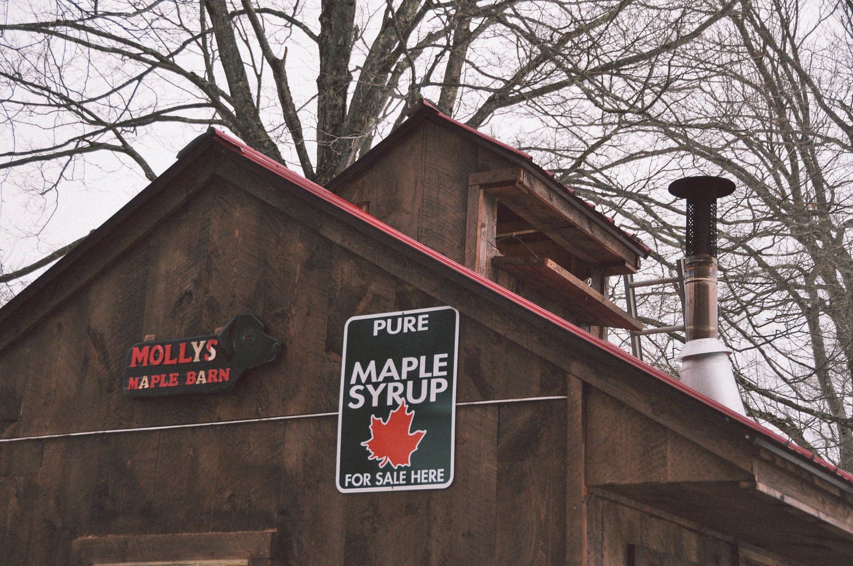 Molly S Maple Barn Francestown Nh Tell New England