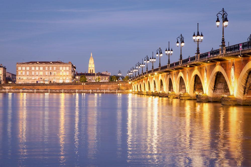 Le pont de Piette de nuit