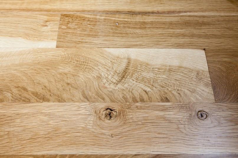 character oregon white oak floor detail and grain