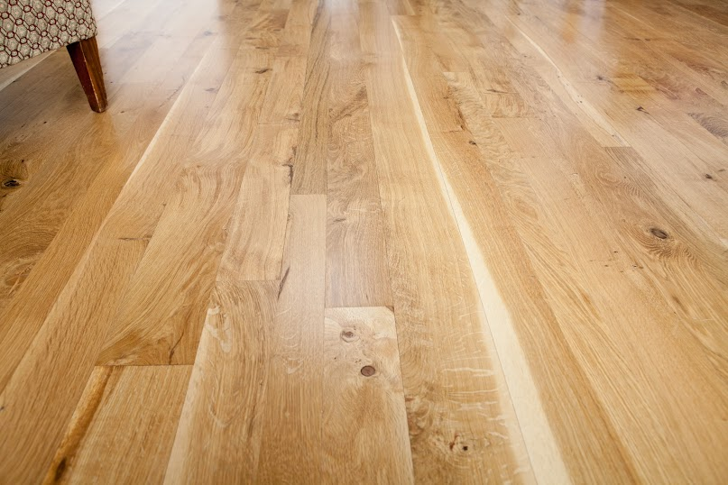 character oregon white oak floor detail