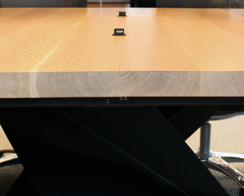 Conference_Table_StoelRives_Detail2.jpg