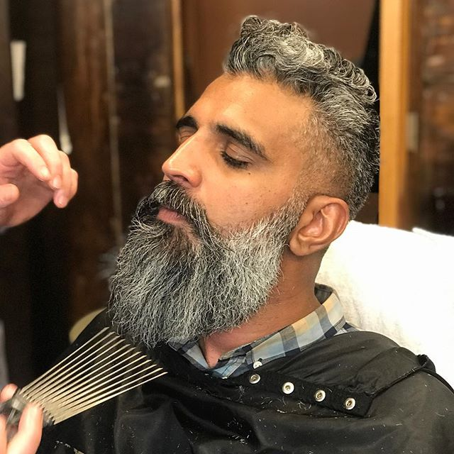 Book in advance for this service#beards #naturalbeard #greybeard #beard4all #westvillagetonsorial #227waverlyplace @beards_of_nyc