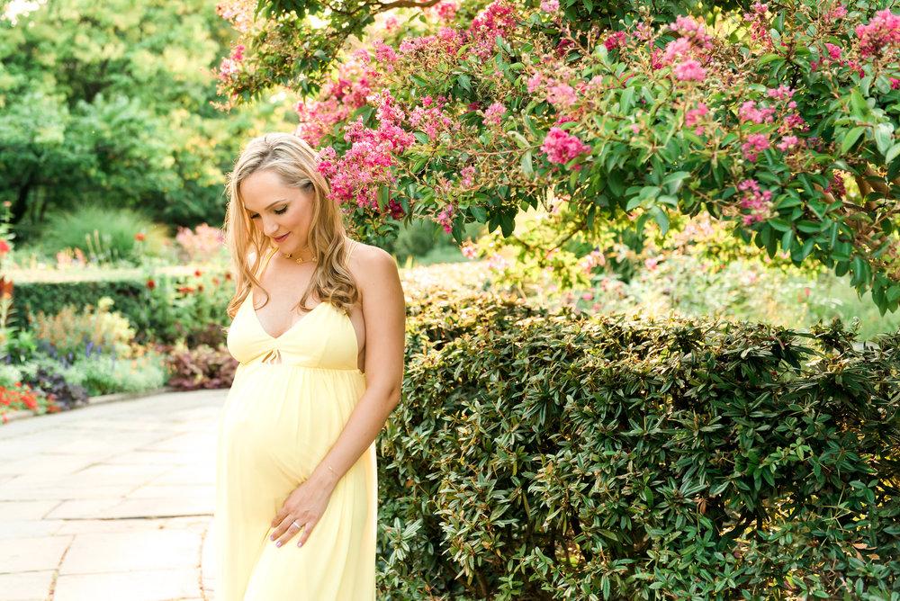 NYC_MaternitySession_ConservatoryGardens10.jpg