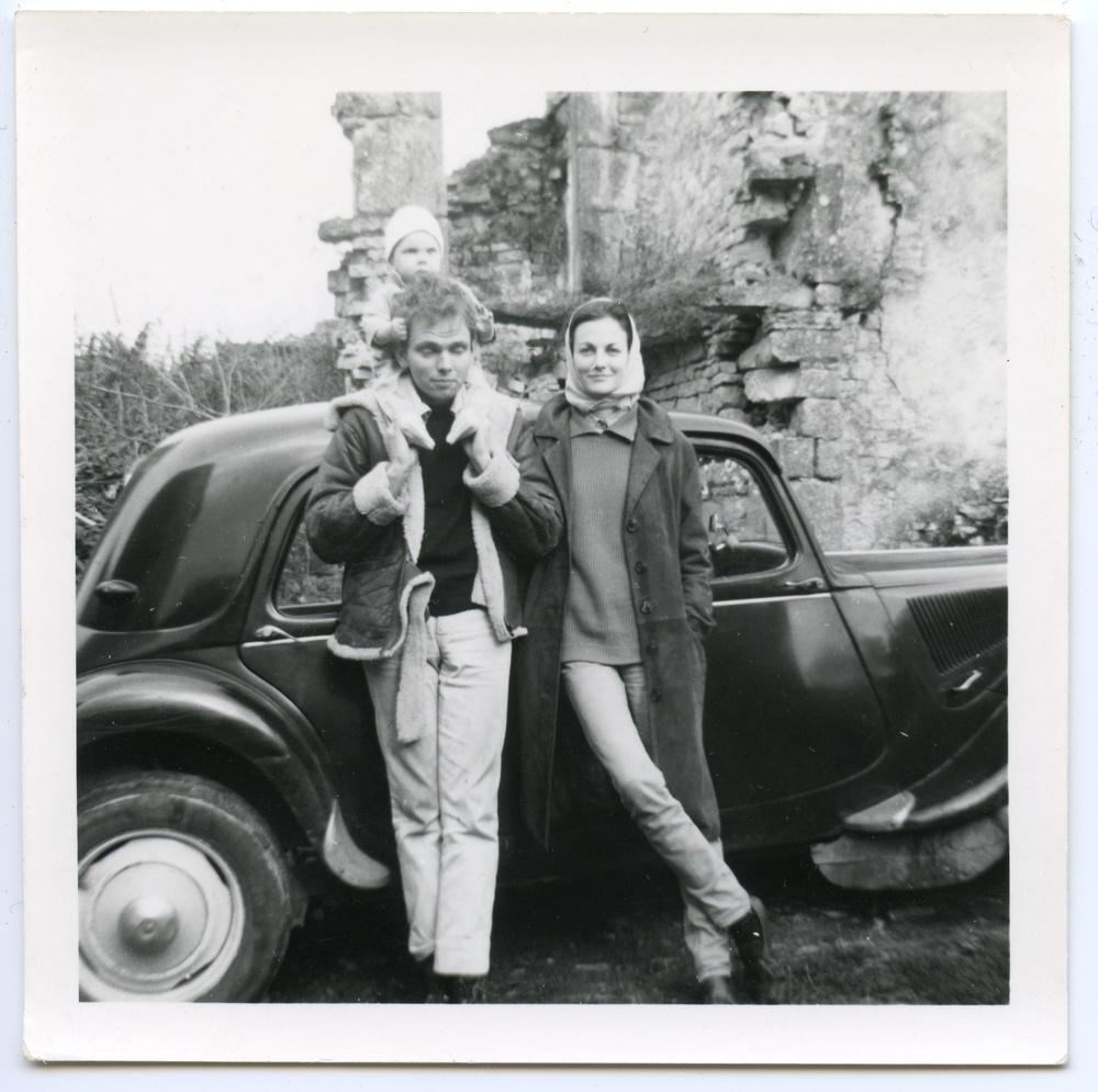 1963, John, Heather, Moosie :Aveyron:may.jpg