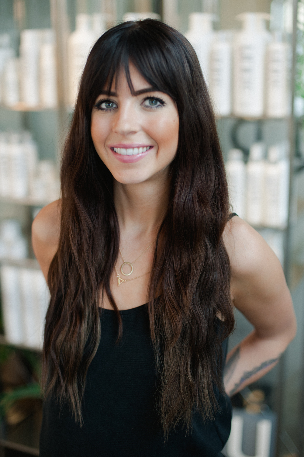 Sadie recently joined the Goldie & Bob team and has a passion for hair color, tape-in hair extensions and hair painting.