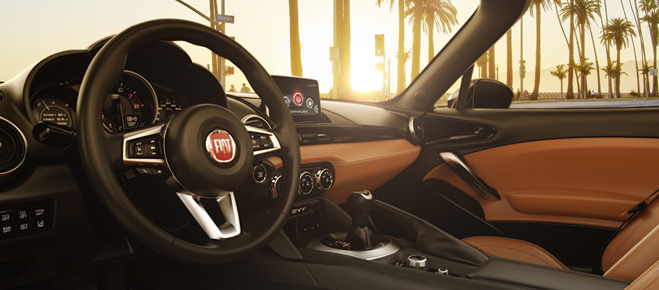 FIAT-SPIDER_Gallery_Interior_Main_04_20160511105532_1.jpg