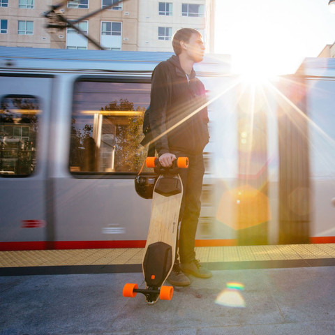boosted-dual-lifestyle-3_large.jpg
