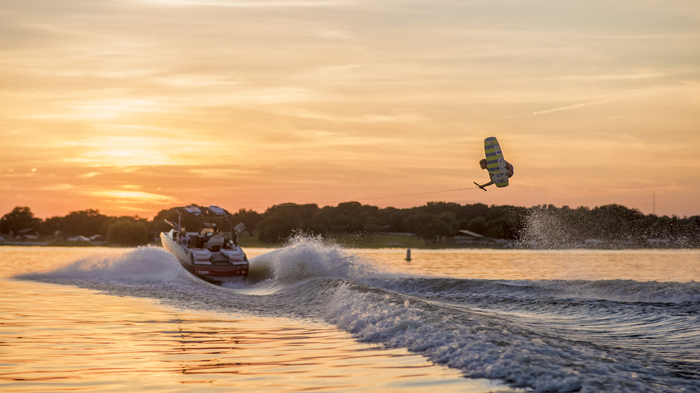Rusty Scott wakeboarding on the Malibu M235